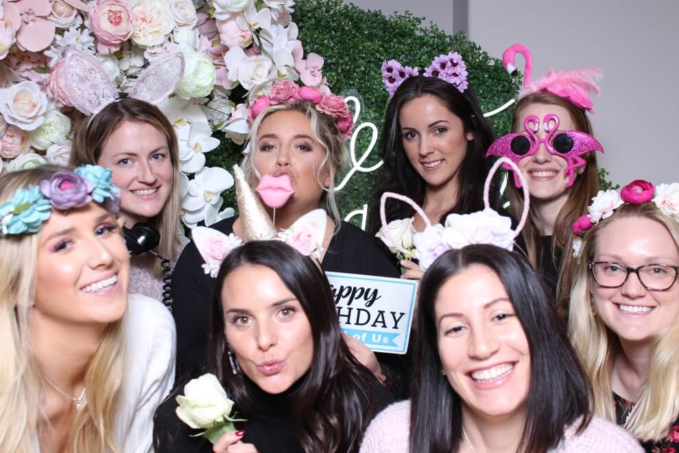 13 toronto photo booths perfect for your upcoming wedding event, 15