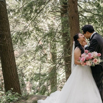 Helen and Matthew's Cream-and-Pink Wedding at the Arlington Estate