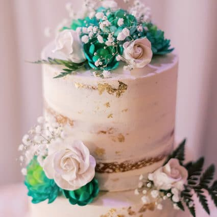 Daan Go Cake Lab featured in Margaret and Adam's Classic Wedding at York Mills Gallery