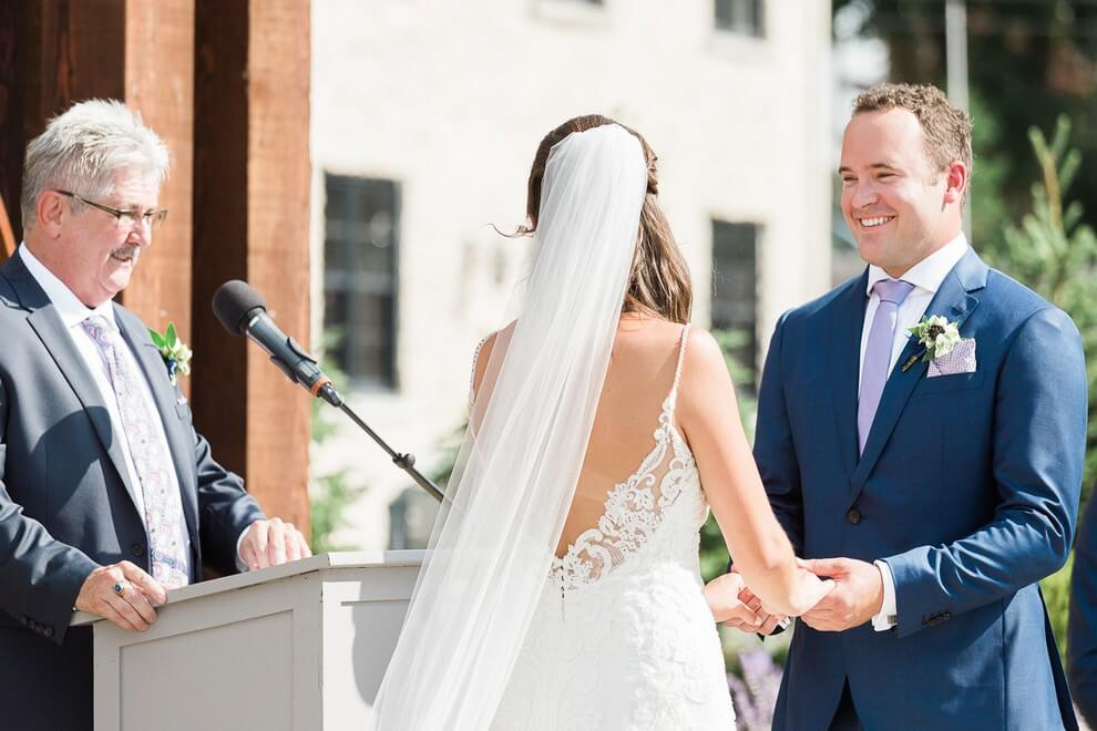 how to find the right wedding officiant, 3