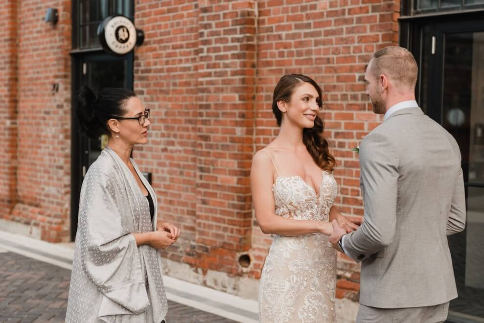 how to find the right wedding officiant, 6