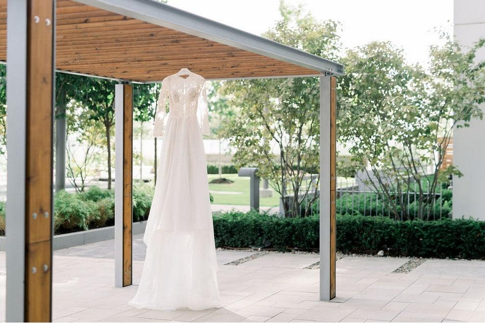 Wedding at Steam Whistle Brewery, Toronto, Ontario, Whitney Heard Photography, 1