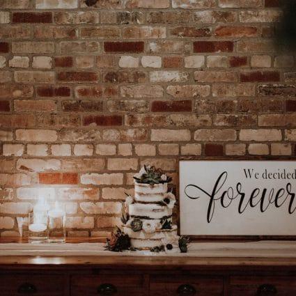 Cake Box featured in Sam and Chris' Romantic Nuptials Embodies La Dolce Vita!