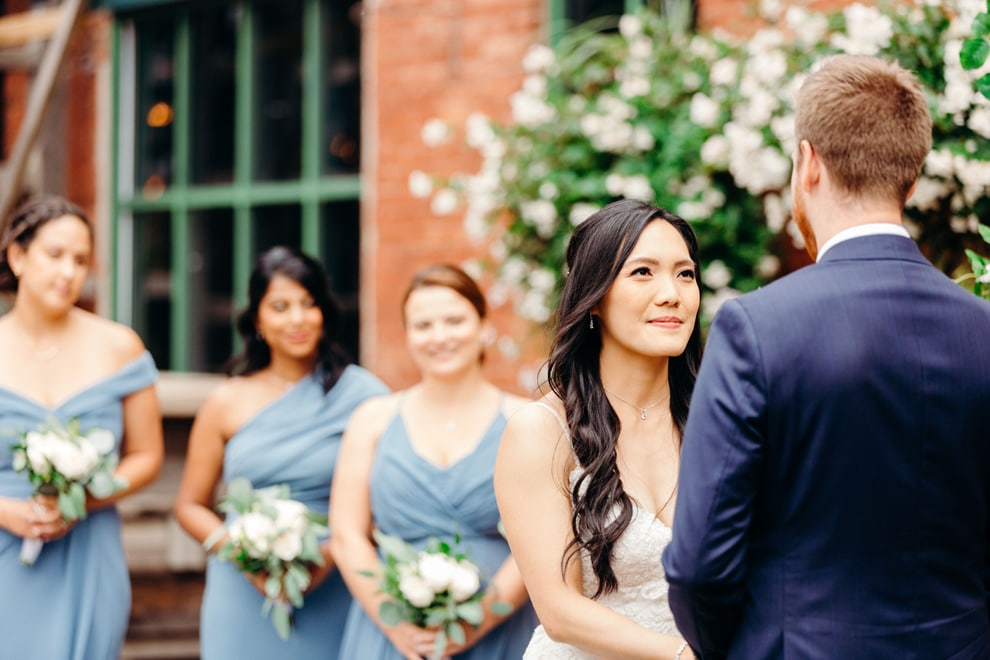 how to have a friend or family member officiate your wedding, 1