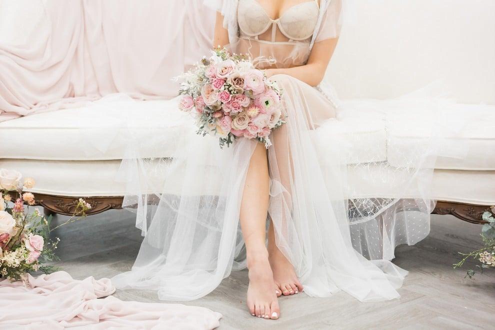 styled shoot blushing spring bride, 21