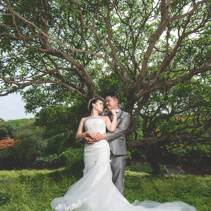 Thumbnail for 10 Wedding Photo Poses That You'll Need For Your Upcoming Wed…