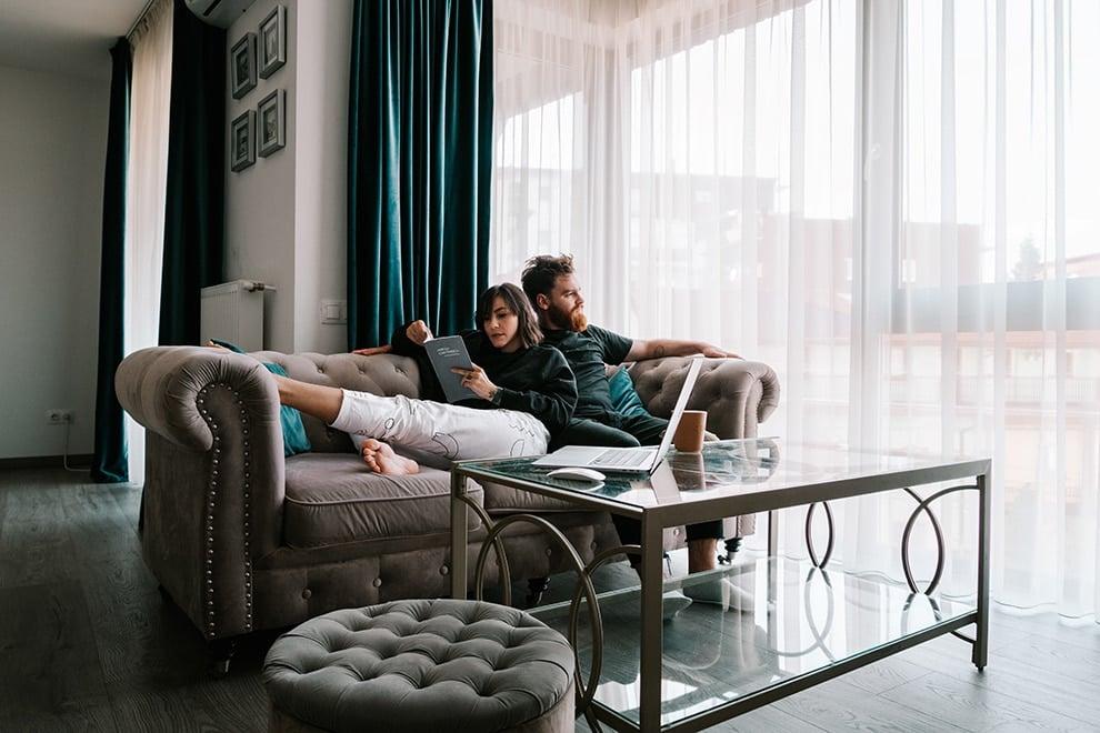 10 Mini-Honeymoon Ideas that Don't Involve Travelling