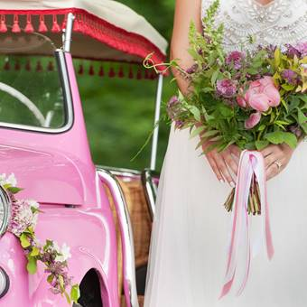 A vintage italian wedding with adorable pink mini. Photo by Pepper and Light